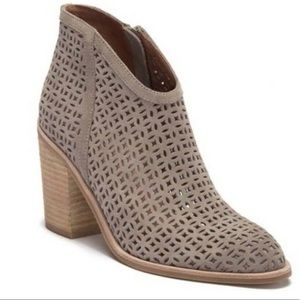 """NWOT Jeffrey Campbell """"Medera"""" ankle booties!"""